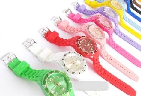 Бъдете стилни по всяко време на годината, особено по това! Вземи силиконов часовник в модерен цвят и дизайн  само за 6.9