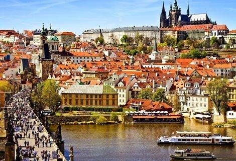 През МАЙ в Прага! Транспорт с автобус + 3 нощувки със закуски в хотел 3* + Пешеходна обиколка на Прага + Полудневна екск