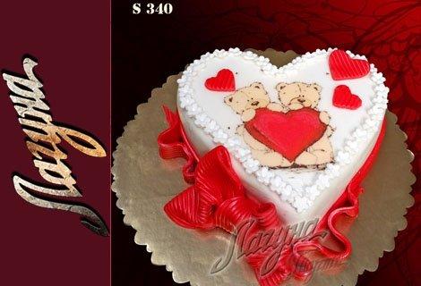 Обяснете се в любов с романтична бутикова торта-сърце, еклерова с баварски крем или еклерова шоколадова по избор, само з