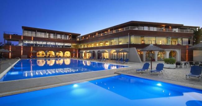 През май в Blue Dolphin Sargani Hotel 4* на Ситония - 3 нощувки, закуски и вечери