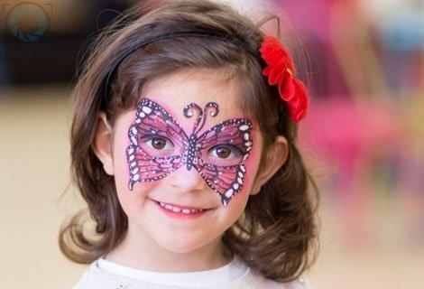 Едночасова Професионална Детска или Семейна ФОТОСЕСИЯ, външна или в Студио с декори, до 100 обработени кадъра за 49 лв.