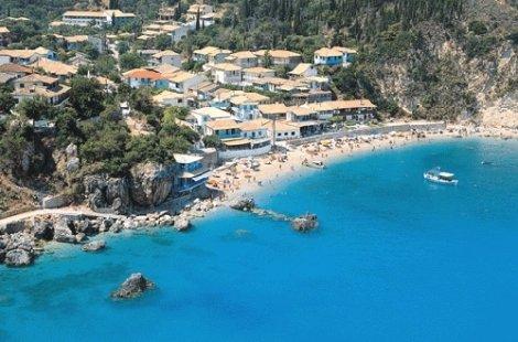 3 в 1 ЕКСКУРЗИЯ  на ЛЕФКАДА и ЙОНИЙСКИ ОСТРОВИ, Гърция: 3 нощувки със закуски в хотел 2* на пешеходно разстояние от цент