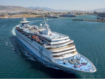 НОВО! ALL INCLUSIVE Круиз до 4 гръцки острова - Санторини, Миконос, Патмос, Крит и Кушадасъ!: 4 нощувки на круизния кора