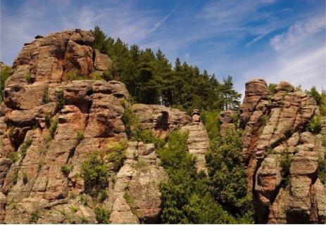 НОВО! Къща за гости Бедрок, Белоградчик : 2 нощувки + САФАРИ из Белоградчишките скали само за 110 лв. за ДВАМА!