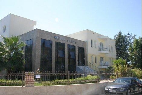 КЪСНО ЛЯТО В ХАЛКИДИКИ, Naias Hotel 3*: 3 нощувки със закуски на цени от 209 лв. на ЧОВЕК / 5 нощувки със закуски на цен