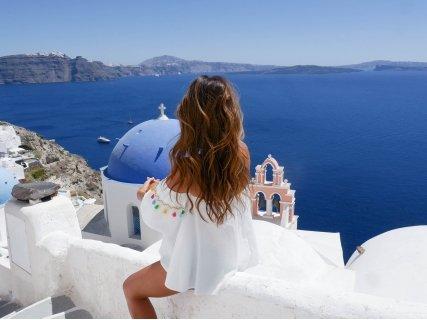 НОВО! Екскурзия до САНТОРИНИ! 1 нощувка в централен хотел в Атина + 3 нощувки в Санторини + САМОЛЕТЕН БИЛЕТ и ФЕРИБОТ на