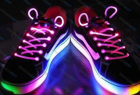 Бъдете ХИТ този сезон със СВЕТЕЩИ ВРЪЗКИ за обувки САМО за 4.90 лв.