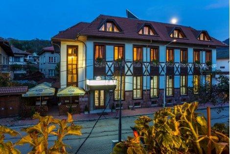 Септемврийски празници в Тетевен, хотел ТЕТЕВЕН 3*! Нощувка + Закуска + ВЕЧЕРЯ + Безплатна САУНА и Джакузи само за 34 лв