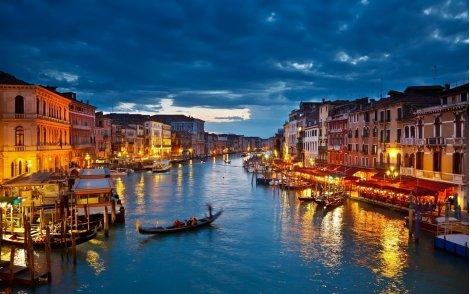 Предколедна екскурзия до Венеция, Виена, Залцбург и Будапеща! Транспорт + 4 нощувки в хотел 3* със закуски + Водач само