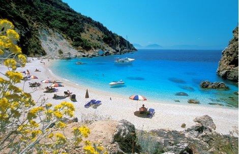 Септемврийски празници на остров ЛЕФКАДА, Гърция: 3 нощувки със закуски в хотел VILLAGIO MAISTRO 3* + ТРАНСПОРТ + Турист
