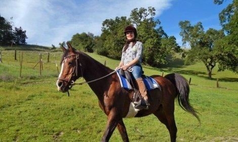 """Аристократично удоволствие! 4 дни обучение по конна езда, общо 180 мин. + преход по избор само за 80лв. от конна база """"С"""