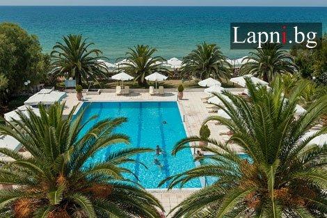 ГЪРЦИЯ, Халкидики,  Kassandra Mare Hotel 3* на брега на морето: 3 нощувки със закуски и ВЕЧЕРИ само за 115 лв. на ЧОВЕК!