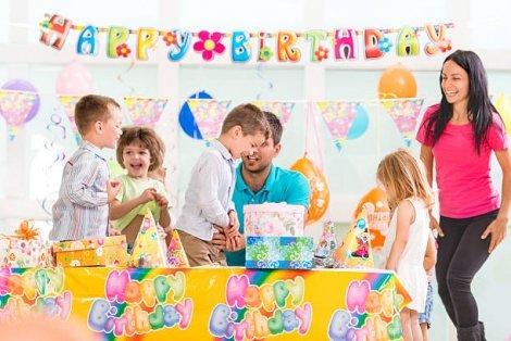 Детски рожден ден  за деца от 1 до 12 години с двама професионални аниматори, рисунки за лице, балони, подаръци и др. на