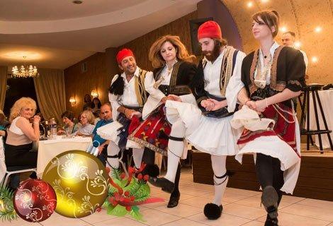 Нова Година 2019 в Гърция, Паралия Катерини! ТРАНСПОРТ + 3 нощувки в хотел Yakinthos + 3 Закуски + 2 ВЕЧЕРИ САМО за 207.50 лв на Човек