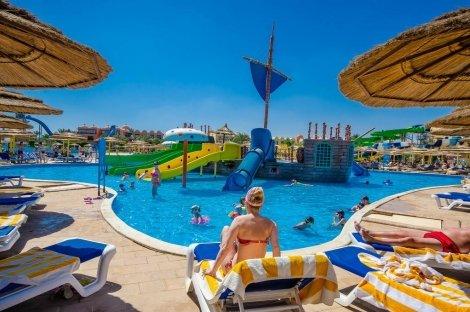 VIP почивка в Египет, TITANIC BEACH SPA AND AQUA PARK 5*: Чартърен Полет с трансфери + 7 нощувки на база ALL INCLUSIVE н