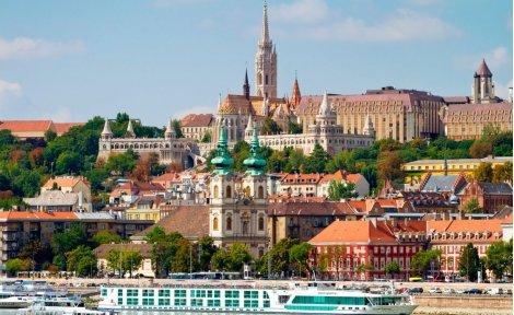 Предколедни базари в Одрин и Истанбул ! Транспорт с комфортен автобус + 3 нощувки със закуски в хотел 3*  за 139 лв. на