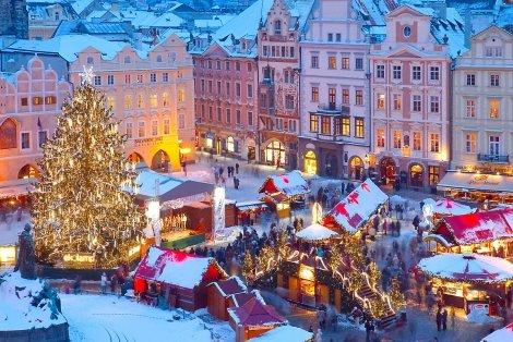 НОВА ГОДИНА в ПРАГА! Транспорт с луксозен автобус + 5 нощувки със закуски в хотели в Прага и Будапеща + Новогодишна ВЕЧЕРЯ + Пешеходна Обиколка на ПРАГА, Будапеща и Братислава с екскурзовод на цени от 825 лв. на Човек