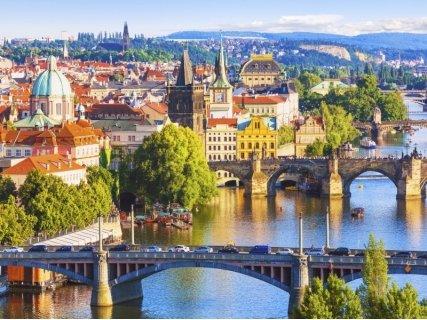 СУПЕР ПРОМОЦИЯ до ЗЛАТНА ПРАГА! Транспорт + 3 нощувки със закуски в хотели 2/3* + Посещение на Братислава, Гьор, Панонхалма и хълма Свети Мартин за 198 лв.