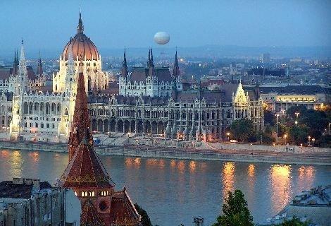 Предколедни базари - Екскурзия до Будапеща, Виена, Прага и Братислава: транспорт + 6 дни /5 нощувки със закуски само за