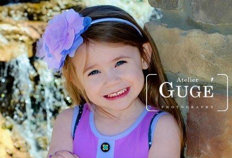 Едночасова Детска фотосесия  + Неограничен брой студийни снимки + 10 обработени кадъра по избор в различни сета само за