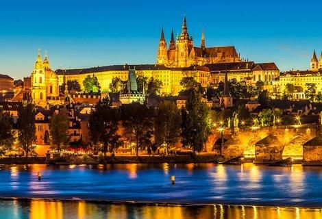 ШОК ЦЕНА 240 лв.! ПРАГА - ЗЛАТНИЯТ ГРАД! Транспорт с АВТОБУС + 2 нощувки със закуски в Прага и Будапеща + Водач