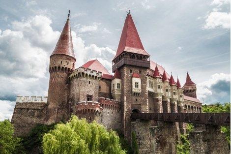 Пролетна ваканция в Румъния – по следите  на граф Дракула: 2 нощувки със закуски в хотели 3* + Транспорт + Екскурзоводск