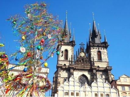 ВЕЛИКДЕН в ПРАГА със САМОЛЕТ! Директен полет + 3 нощувки със закуски в хотел Ehrlich 4* + Обзорна обиколка на Прага с ек