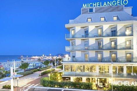 Почивка в РИМИНИ: ЧАРТЪРЕН полет + 7 нощувки, закуски и вечери с напитки в хотел Michelangelo 4*+ БОНУС 3 ЕКСКУРЗИИ само