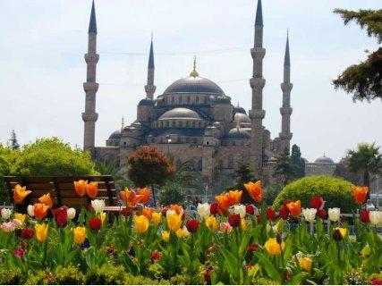 Фестивала на лалето в Истанбул 2019! Транспорт с автобус + 3 нощувки в хотел 3* + Екскурзоводско обслужване  + Туристиче