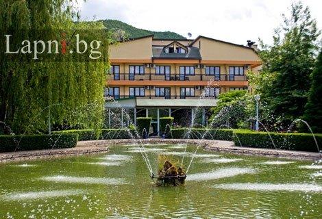 ВЕЛИКДЕН в Струмица,  хотел Сириус 4*! Транспорт + 2 нощувки със закуски + 2 тържествени ВЕЧЕРИ с музика на живо и неогр