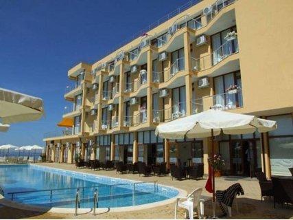 Майски празници в Равда, хотел Аква Долфин Равда 3*: 3 нощувки на база ALL inclusive САМО за 99 лв. на Човек + БАСЕЙН + Дете до 12 г. БЕЗПЛАТНО!