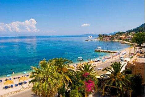 Почивка на остров Корфу с автобус! Транспорт + 4 нощувки със Закуски и ВЕЧЕРИ в Potamaki Beach 3* + Туристическа програма за 379 лв.