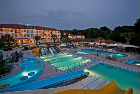 АВТОБУСНА ПОЧИВКА в ГЪРЦИЯ, Йонийско крайбрежие: ТРАНСПОРТ + 7 нощувки със закуски и Вечери в хотел Kanali 3* за 555 лв. на ЧОВЕК