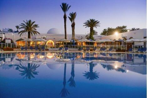 LAST MINUTE 742 лв! в Тунис: Самолетен билет за полет на Bulgaria Air + 7 нощувки в Shems Holiday Village 3+ с частен ПЛАЖ на база All Inclusive