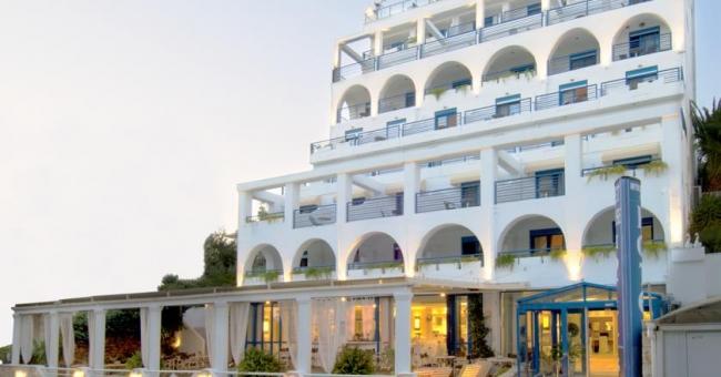 Новогодишна оферта за Халкидики, хотел Secret Paradise Hotel & SPA 4* - 3 нощувки със закуски, Гала Вечеря и СПА