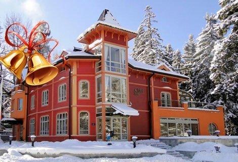 НОВА ГОДИНА в БОРОВЕЦ, БУТИКОВ хотел СОКОЛ: 3 Нощувки със Закуски и Вечери, вкл. ПРАЗНИЧНА ВЕЧЕРЯ на цена от 449 лв. на Човек