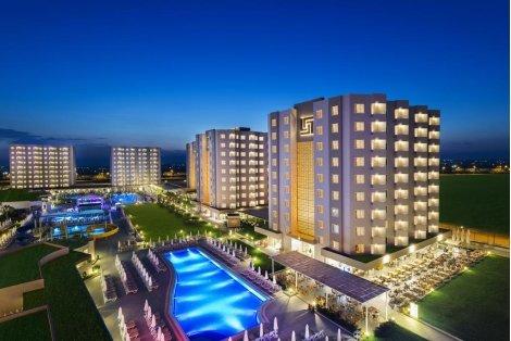Нова година 2020 в ТУРЦИЯ, АНТАЛИЯ! Транспорт + 4 нощувки All Inclusive в хотел GRAND PARK LARA 4* за 407 лв. на Човек