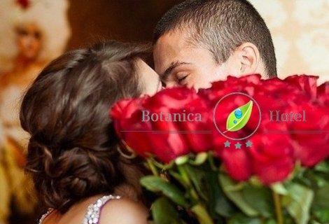 8 - ми март в Сандански, Семеен хотел Ботаника 3*: Пакет от 2 Нощувки + 2 Закуски + Празнична вечеря за 218 лв. за ДВАМА!