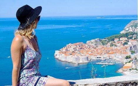 Хърватска приказка 2020 за 515 лв.! Транспорт с автобус + 4 нощувки със Закуски в хотели 3* + Посещение на Плитвичките езера + Туристическа програма в Загреб, Трогир, Сплит и Стон с Екскурзовод!