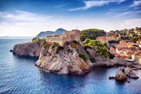Адриатическа Приказка!  Транспорт + 4 нощувки със закуски и 3 ВЕЧЕРИ в хотели 2/ 3* + Богата туристическа програма в Дубровник, Котор и Будва на цени от 379 лв.