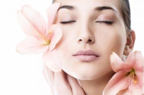 Лечение на пигментация и неравен тен чрез комбинирана терапия  за чиста и сияйна кожа в Изабел Дюпонт за 39 лв.