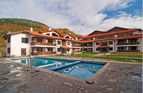 Хотел ПЛАНИНАТА в РИБАРИЦА: Нощувка със Закуска за ДВАМА + БАСЕЙН + Суха и Парна САУНА за 33 лв. на Човек