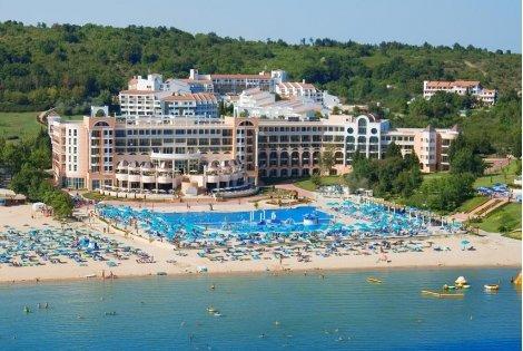 РАННИ ЗАПИСВАНИЯ за Лято 2021 в хотел MARINA BEACH 5*, ДЮНИ: Нощувка на база ALL INCLUSIVE на цена от 97.20 лв. на ЧОВЕК!